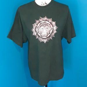 Tops - 5/25. Shangri-La Forest Green Sun Tee Shirt